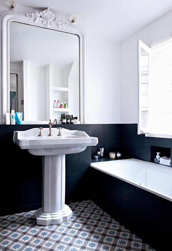 Les couleurs tendance dans la salle de bains for Peinture dans salle de bain